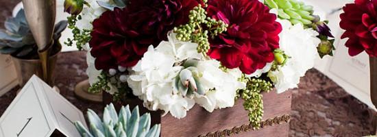 Flores de casamento – Suculentas e flores entrelaçadas